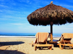 Thanks to my father-in-law and hubby, we snagged a front palapa every morning and had this gorgeous view!